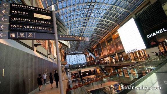 Singapura , akhir tahun dan sale... sayang untuk dilewatkan