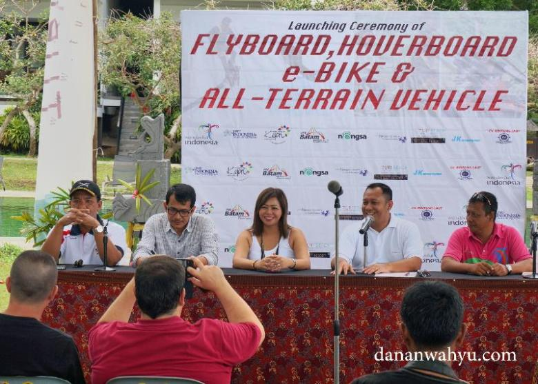 Pelucuran Flyboard, hoverboard , e-Bika & All-Terrain Vehicle