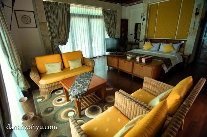 kamar tidur Indra Maya Villas
