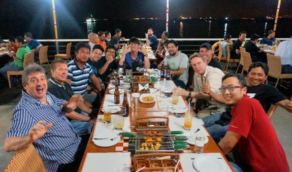 Pengunjung The Pier Cafe & Grill Batam