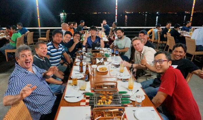 Pengunjung The Pier Cafe & Grill Batam