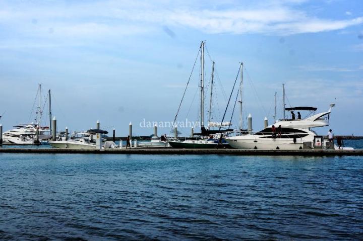 Konon hanya ada tiga pelabuhan yacht di Indonesia, dan Batam salah satunya.