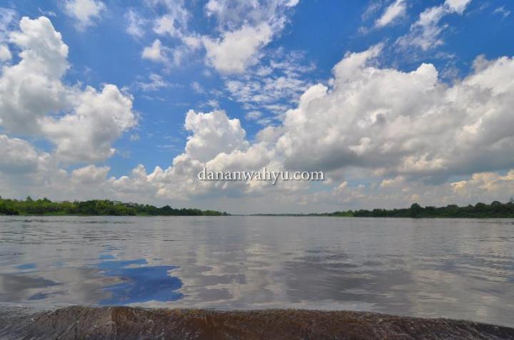 langit biru, pemandangan cetar hari ini