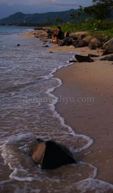 Liukan garis pantai Sebalang Teluk Lampung