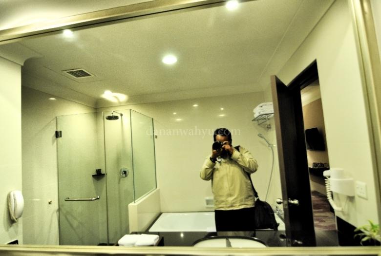 kamar mandi kamar standar