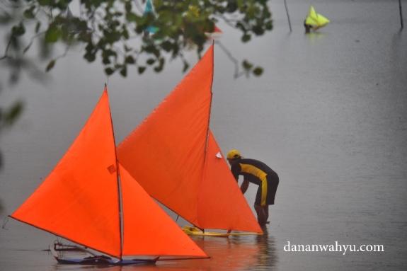 Perahu Jong beriring bersama
