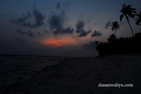 malam menyapa pulau Durai