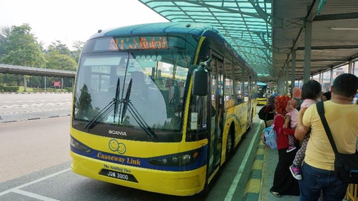 bus perbatasan Singapura - Johor Bahru