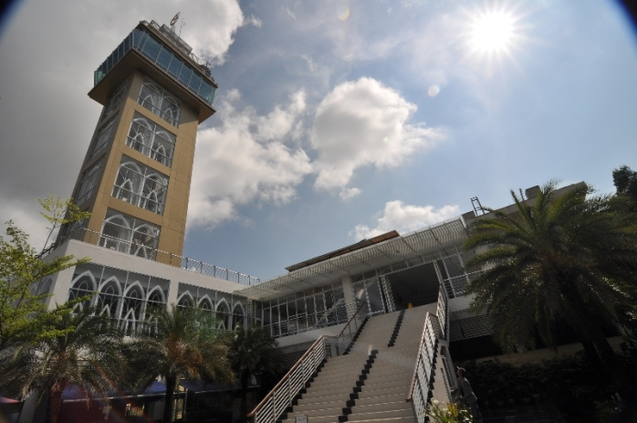 Masjid Jabal Arafah , destinasi wisata di Batam dekat pusat perbelanjaan Nagoya Hills