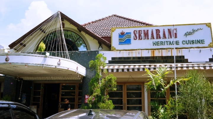 Semarang International, Family & Garden Restaurant