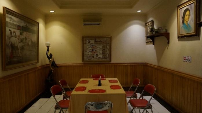 Salah satu ruangan Restoran Semarang tempat menjamu tamu
