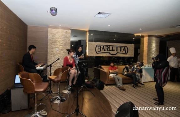 sajian live music di Barletta Bar & Lounge