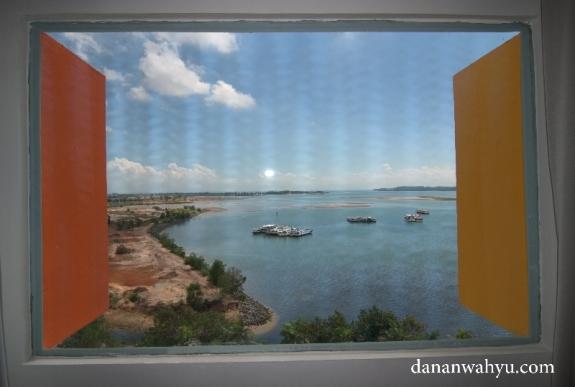 ini bukan lukisan tapi salah satu pemandangan dari jendela kamar