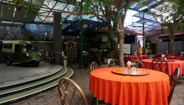 Halaman belakang rumah Restoran Semarang