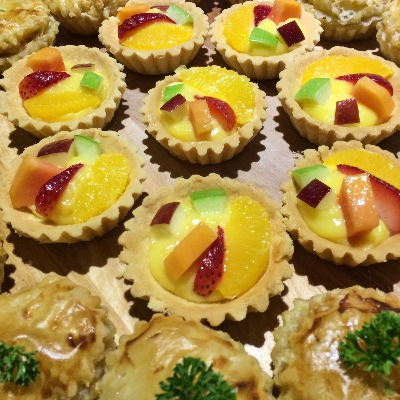 warna warni segar Fruit Tart
