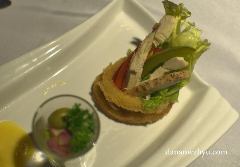 Carabian Chicken Salad - kesembangan rasa dan tampilan