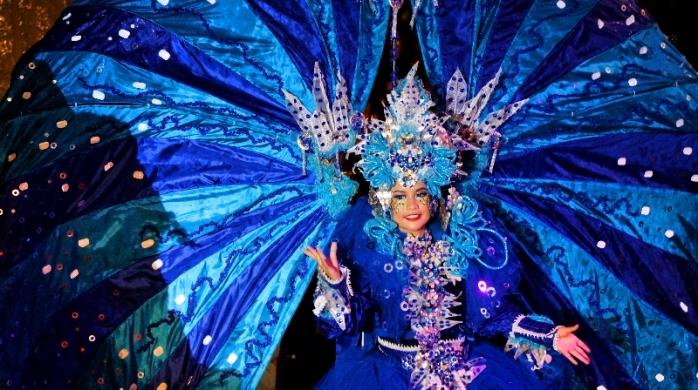 Peserta karnaval tahun sebelumnya