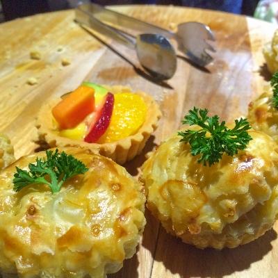 Quiche Lorraine & Fruit Tart