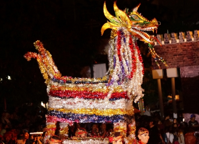 Warak Ngendhok inspirasi desain karnaval tahun ini merupakan hewan fantasi, simbol alkuturasi kota Semarang