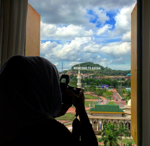 Memandang ikon kota batam dari Harris Hotel Batam Center