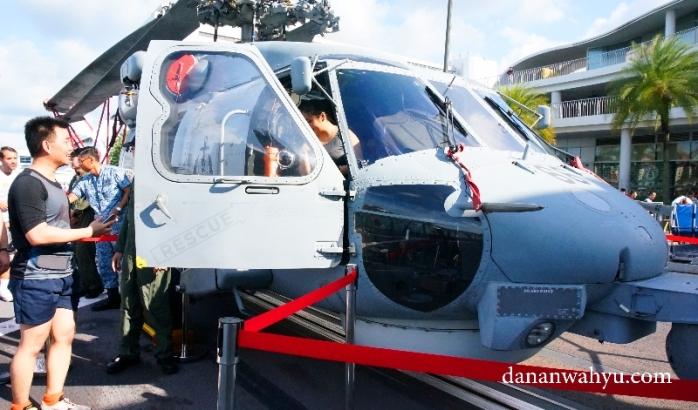 cobain jadi supir helikopter