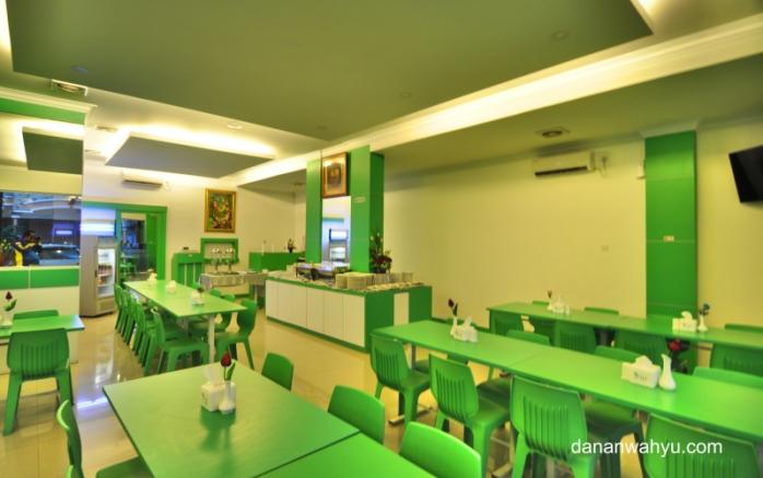 ruang makan bersih Airy Greenland Ahmad Yani Batam