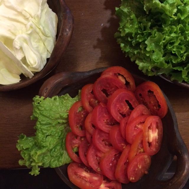lalapan segar tersedia bagi yang mau go green , eh diet ding :D