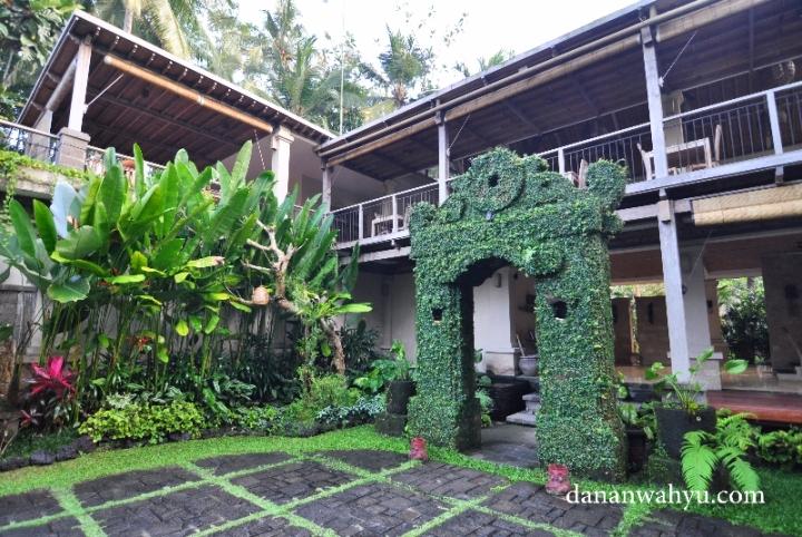 halaman Puri Sunia Resort Bali