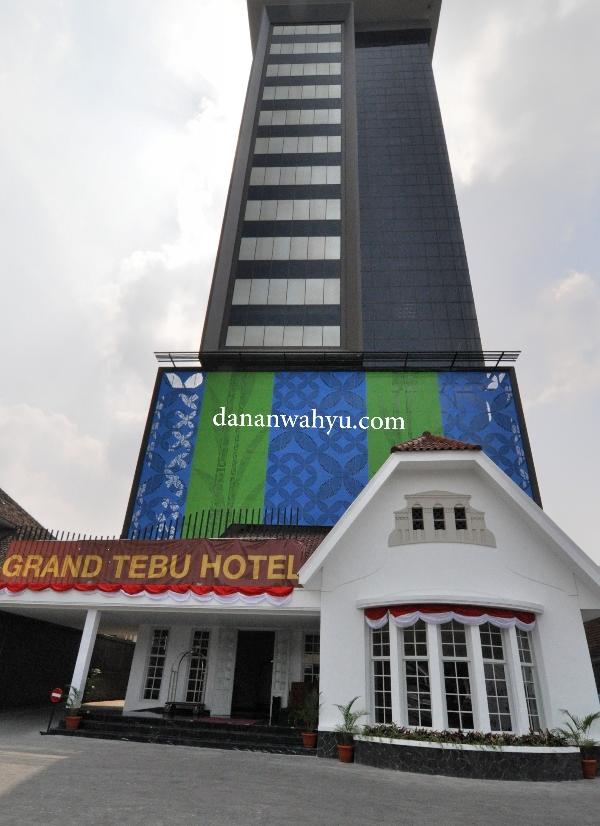bangunan Grand Tebu Hotel , kombinasi arsitektur moderen dan tempo dulu
