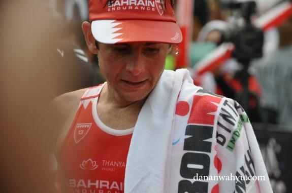Frederik Croneborg atlet asal Swedia jawara Ironman 70.3 Bintan 2016 dengan catatan waktu 3 jam 59 menit 27 detik
