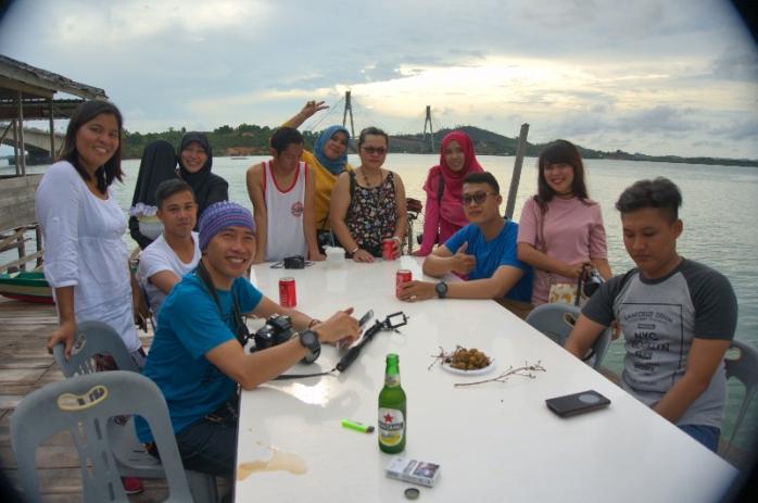 Penggiat dunia maya Kepri siap berpesta , latarbelakang Jembatan Barelang
