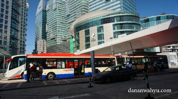 Halte MRT KL Sentral menuju sirkuit Sepang, tarif RM 35 pulang pergi