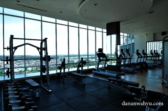 pusat kebugaran dengan pemandangan dan peralatan terbaik di Batam