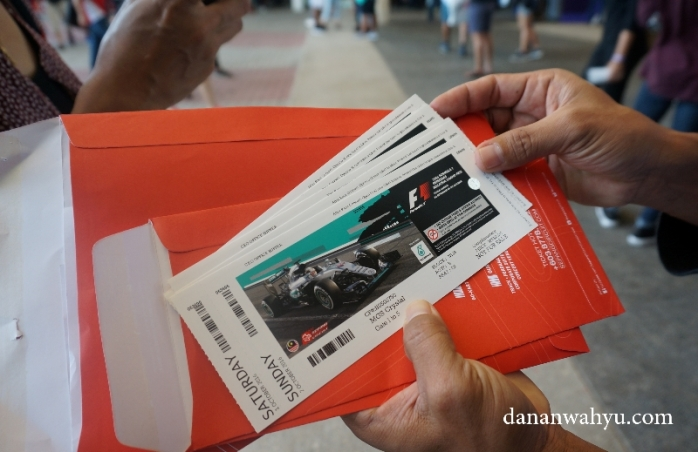 sayang nih tiket terus tiga hari baru diambil pada hari ke-tiga