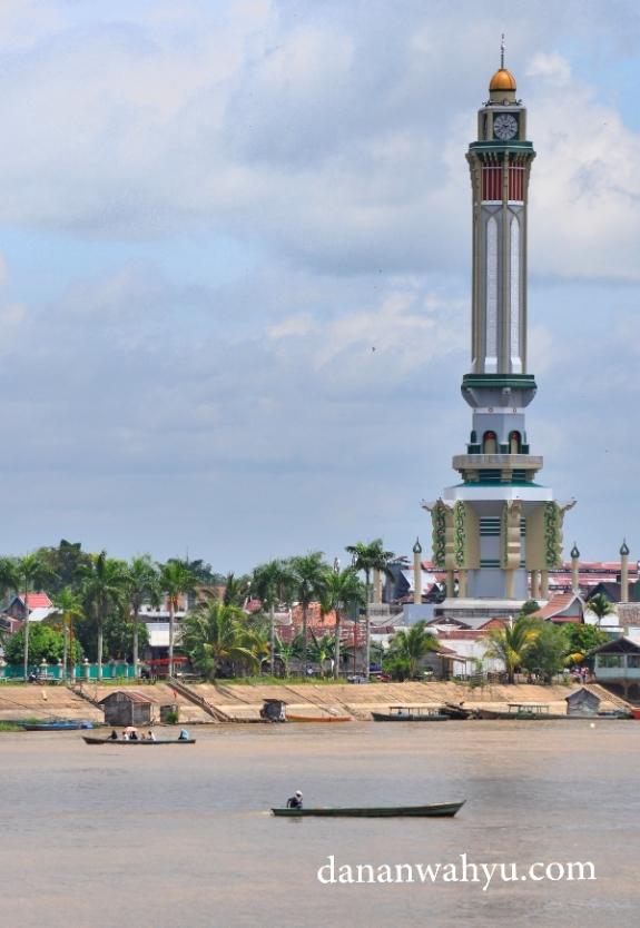 Menara Gentala Arasy di Seberang Kota Jambi , Sekoja