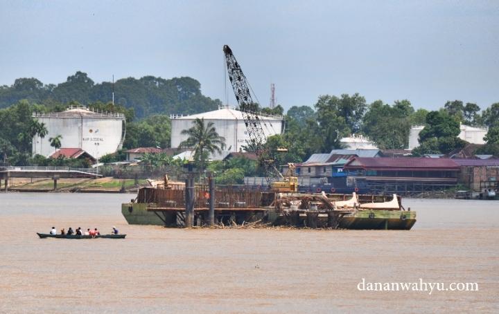 Kapal-kapal , proses pembangunan jembatan Titian Arasy