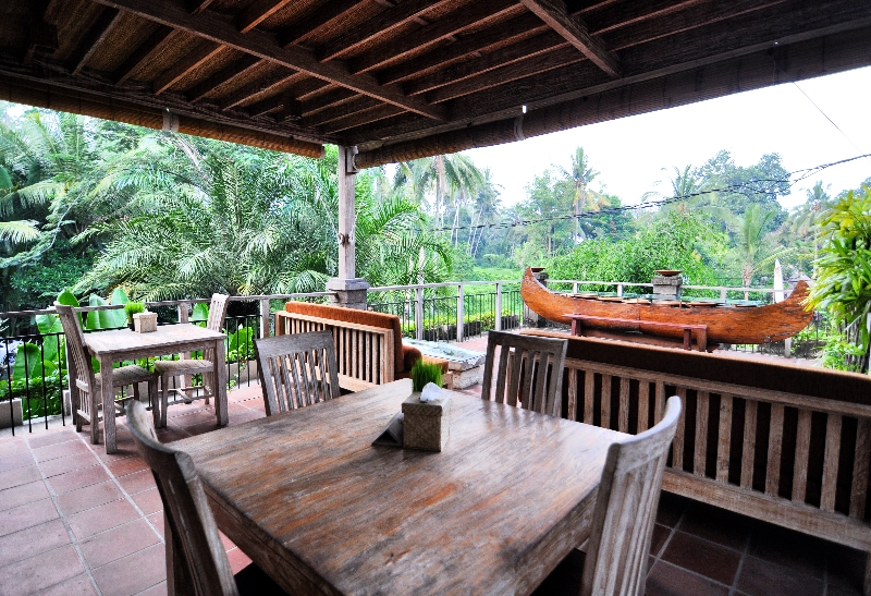 https://dananwahyu.com/2016/07/21/puri-sunia-resort-tempat-damai-melepas-lelah/