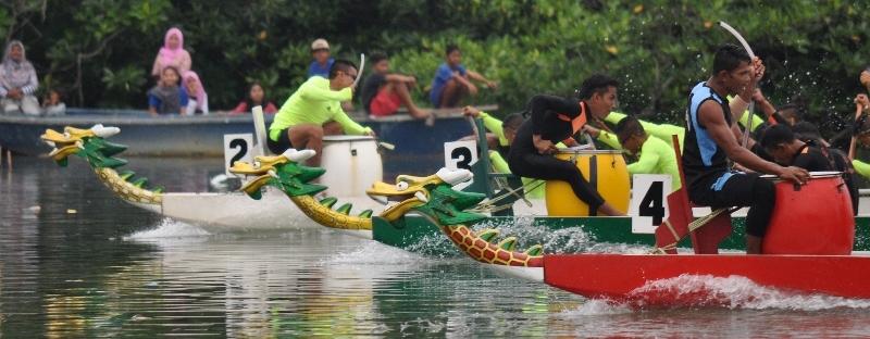 lomba perahu naga festival bahari kepri