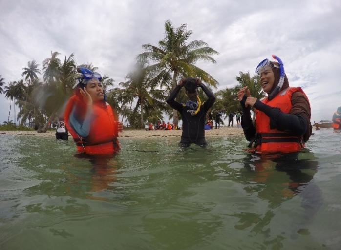 Saatnya mencoba snorkel di air