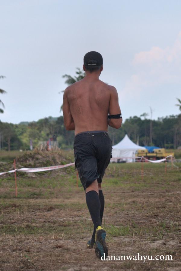 Berlari menuju rintangan berikutnya
