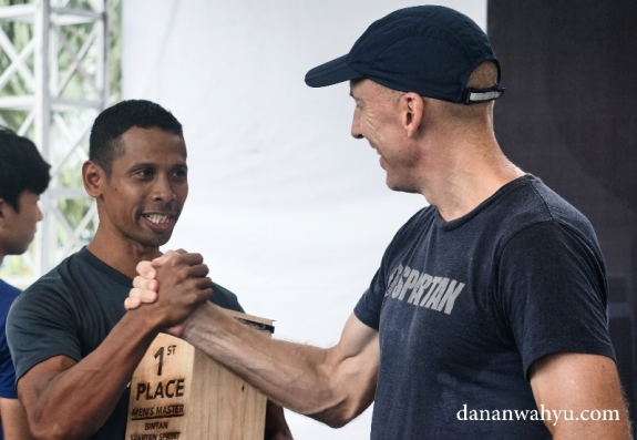 Pemenang Pria Spartan Race kelas Sprint