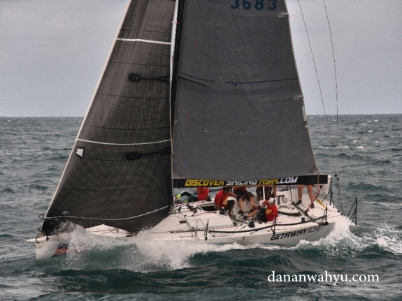 sang jawara Discovery Sailing Asia memimpirn pertandingan