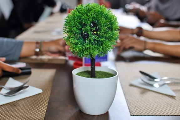 Berkumpul di meja makan SBK Baresto - Sahid Batam Center Hotel & Convention