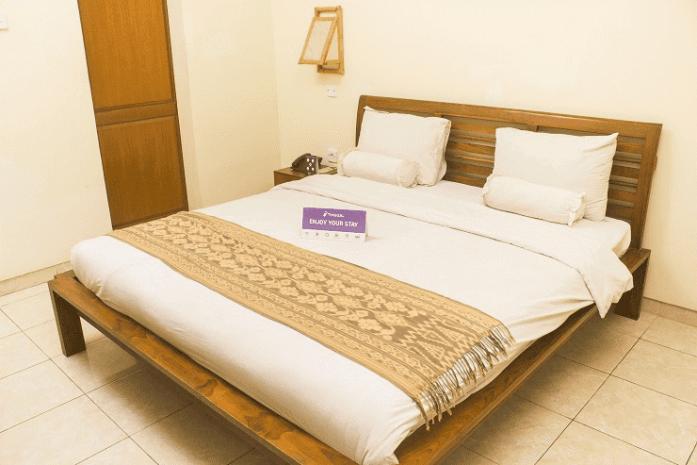 penampakan kamar tidur Standard Ubud Pengosekan