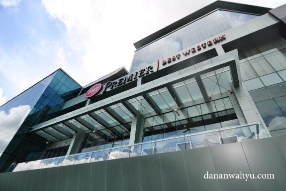 bangunan megah di Jalan Ahmad Yani kota Batam