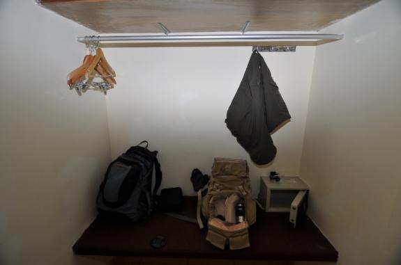 bilik lemari di Standard Ubud Pengosekan