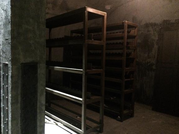 ruang gudang bawah tanah tak kalah seram