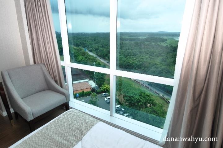 Pemandangan dari Deluxe Room di Best Western Premier Panbil Batam