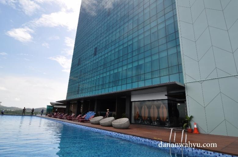 infinity pool Best Western Premier Pambil Batam