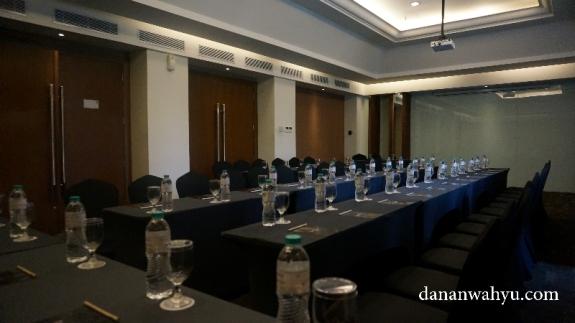 Salah satu ruang rapat di GRand Zuri BSD